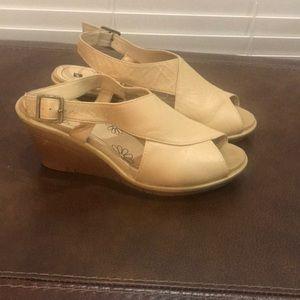 Women's shoes size 9.5